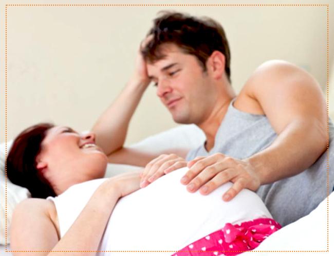 гладить живот при беременности